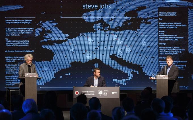IT giants Pentland and Keen debate on Big Data