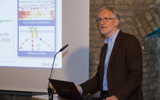 Big Data und Medizin: Heilsbringer oder Entsolidarisierung?