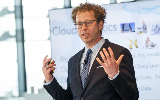 Prof. Ken Goldberg über selbstlernende Roboter